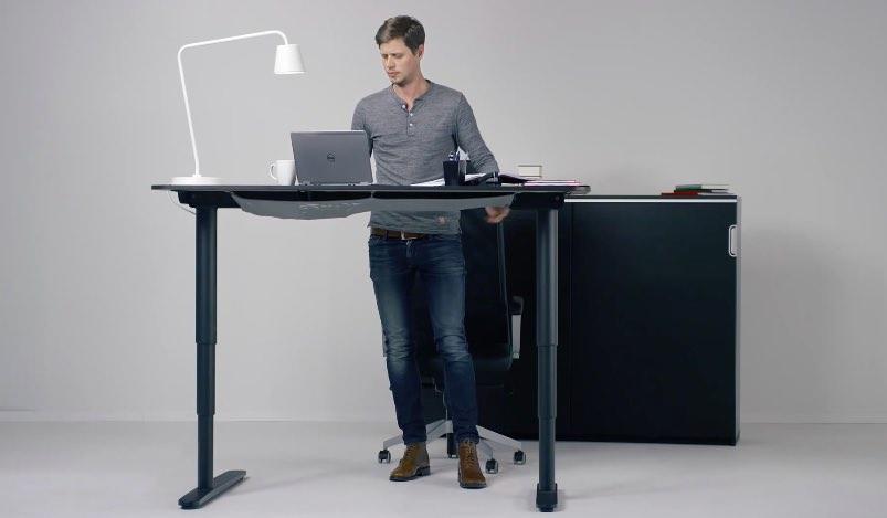 ikea bekant een staand bureau haal je gewoon bij ikea. Black Bedroom Furniture Sets. Home Design Ideas